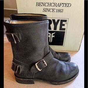Frye Veronica back zip short boots